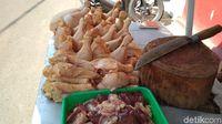 Harga Ayam untuk Peternak di Blitar Ditentukan Grup Pengepul?