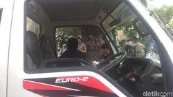 Kaca Mobil Komando Aksi Kawal MK Pecah saat Merapat di Medan Merdeka