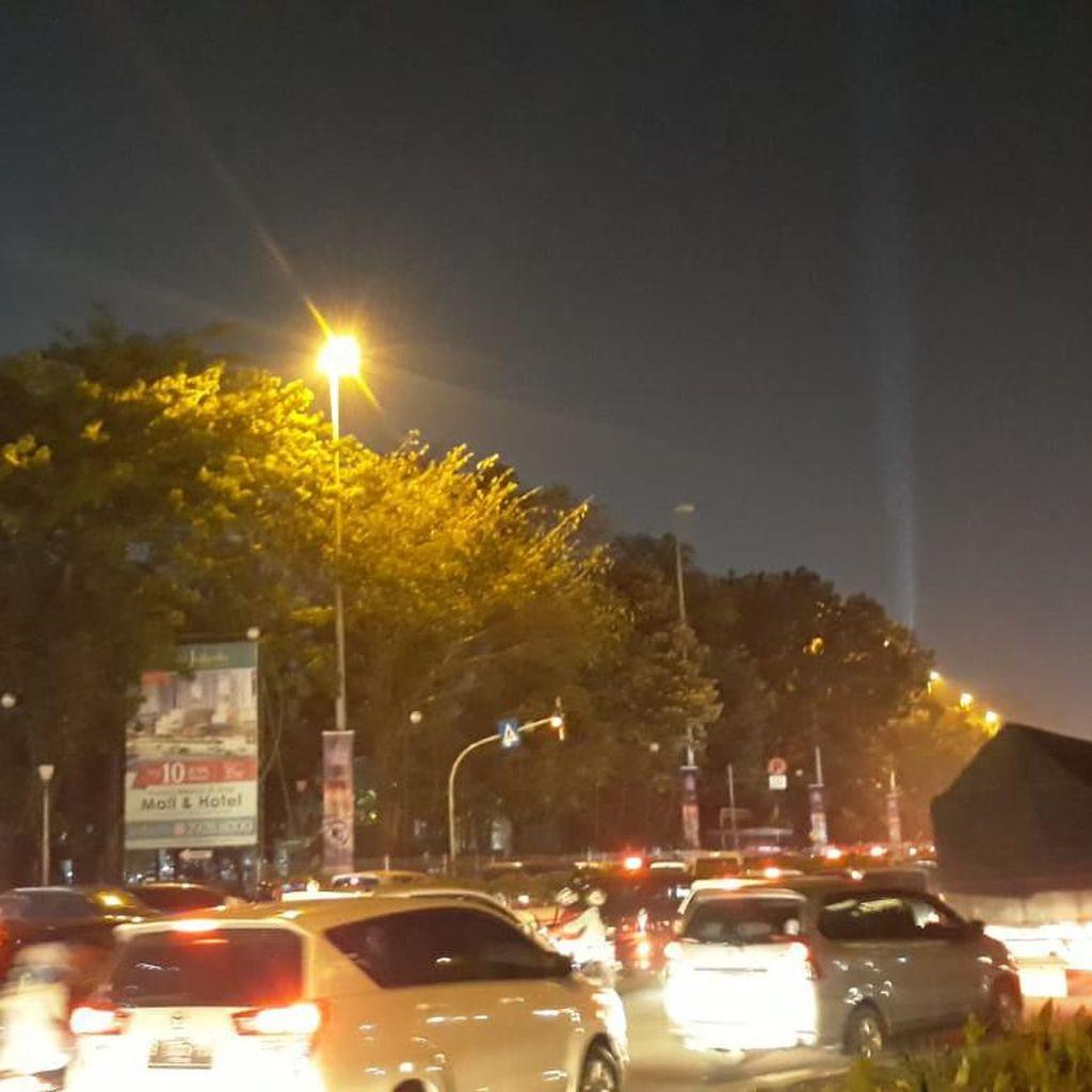 Sempat Macet 3 Jam, Jalan Benyamin Sueb Kemayoran Kini Ramai Lancar