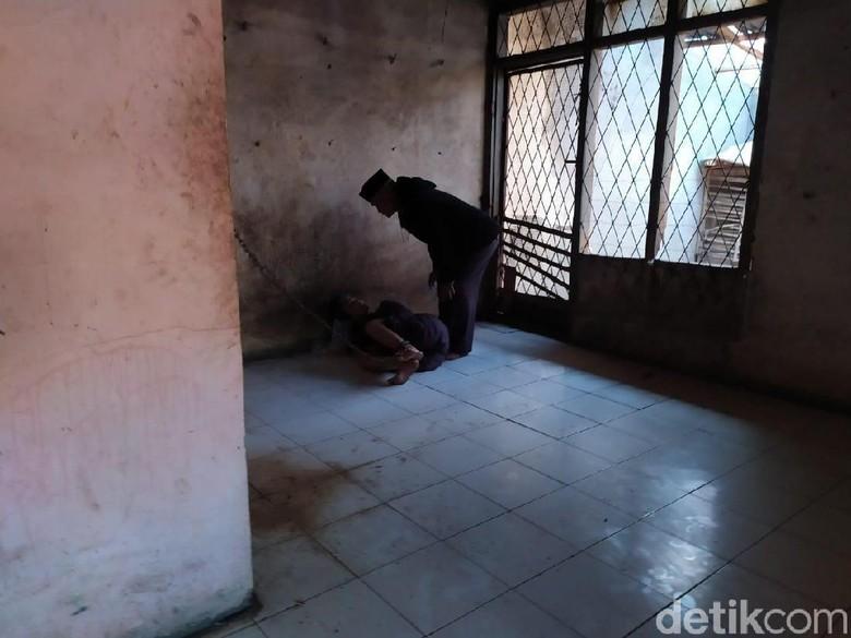 Memprihatinkan, Dua ODGJ di Buahbatu Bandung Dirantai Keluarga
