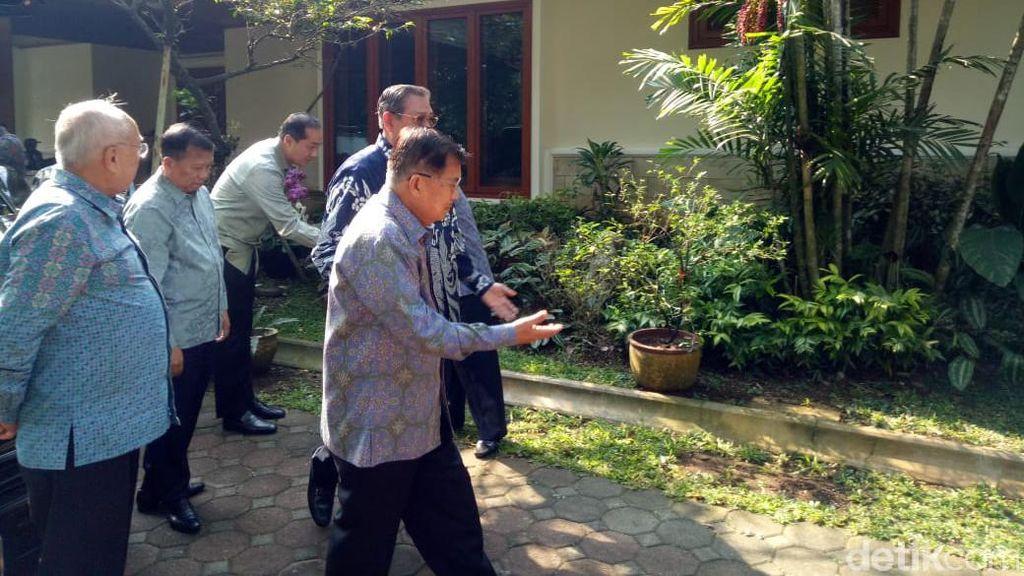 Sampaikan Duka Ani Yudhoyono Wafat, JK Temui SBY di Cikeas