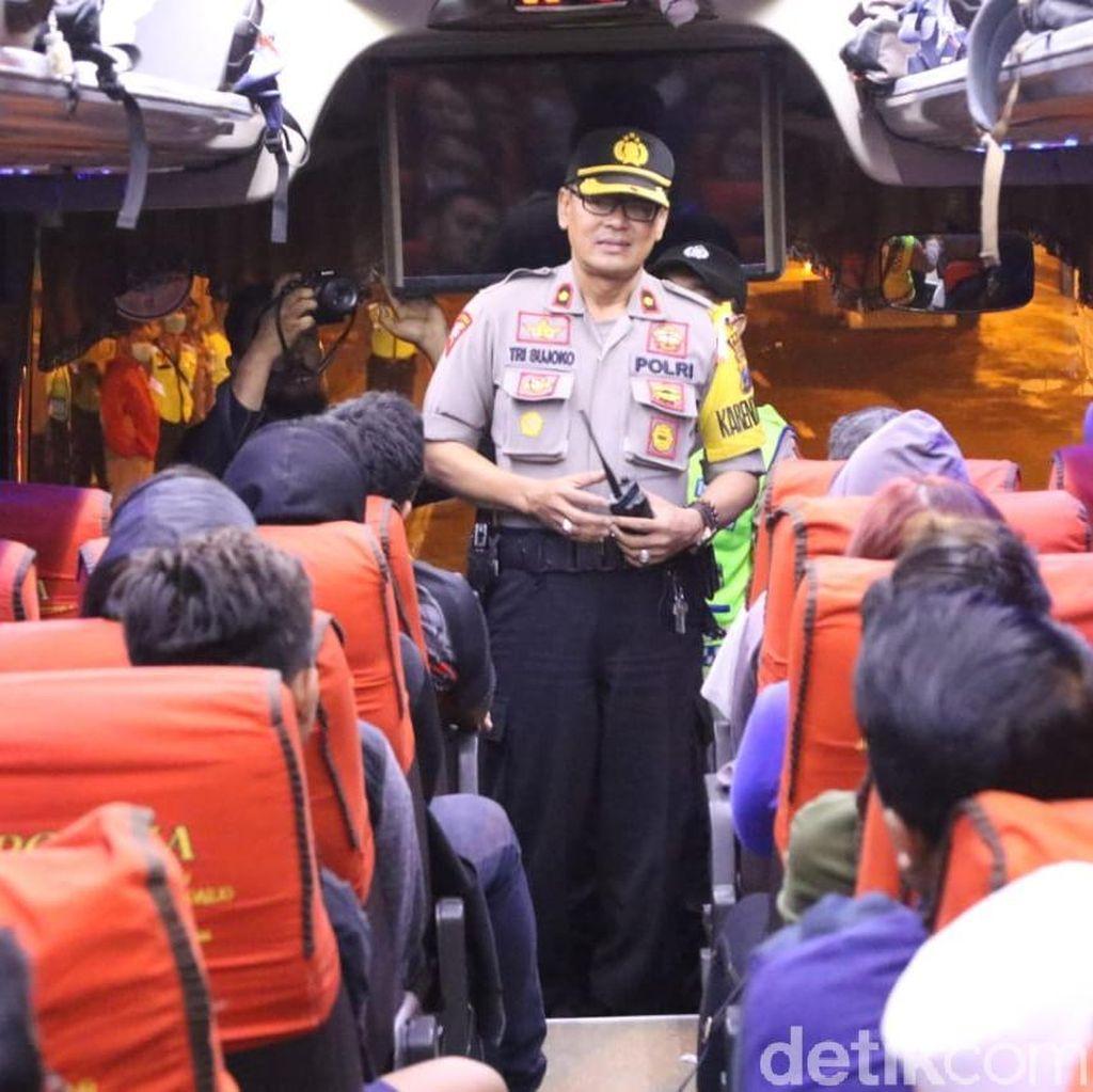 Cegah Rusuh Jelang Putusan MK, Polisi Sekat Mobilisasi Massa di Mojokerto