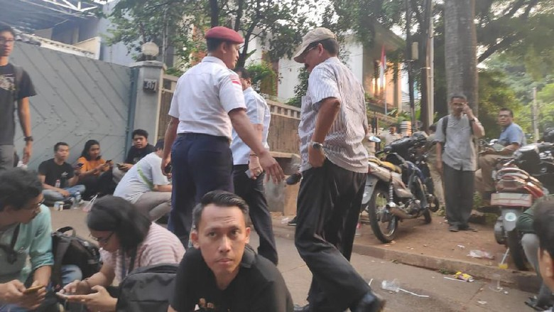 Soenarko Sambangi Kertanegara yang Gelar Nobar Sidang MK