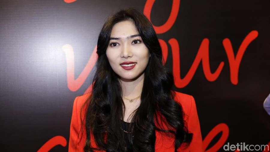 Isyana Sarasvati Ngaku Fans Bibir Ombre, Ini Tips nya