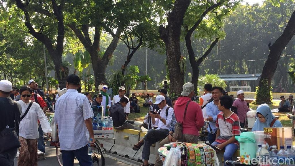 Cerita Pedagang Dapat Rejeki Nomplok di Aksi Kawal Sidang MK