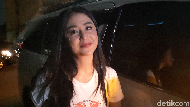 Dewi Perssik Marah-marah di Instagram, Kenapa?