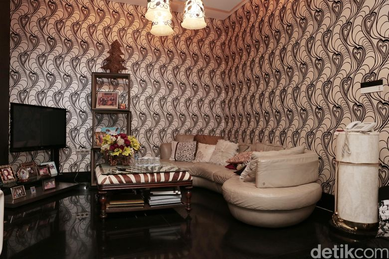 Salah satu sudut rumah mewah Jennifer Jill Armand Supit, istri Ajun Perwira. Foto: Asep Syaifullah/detikHOT