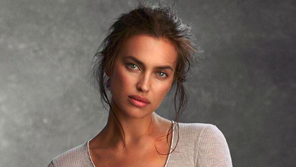 Foto: Liburannya Irina Shayk, Model Baju Renang Paling Top 2019