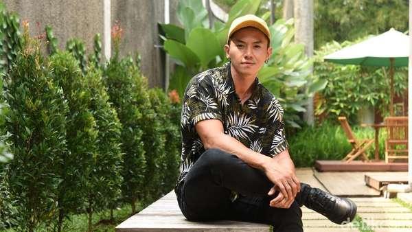 Main Film Bareng Lucinta Luna, Rafael Tan Jadi Ngondek