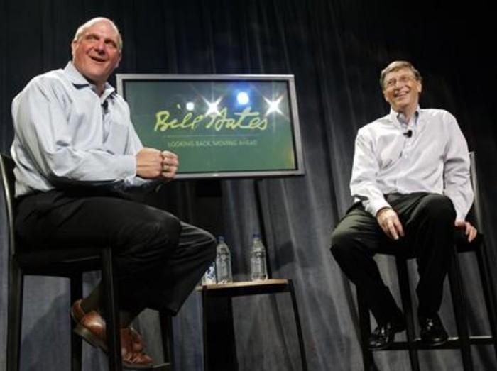 Steve Ballmer dan Bill Gates muda. Foto: Robert Sorbo-Microsoft/Handout/Reuters