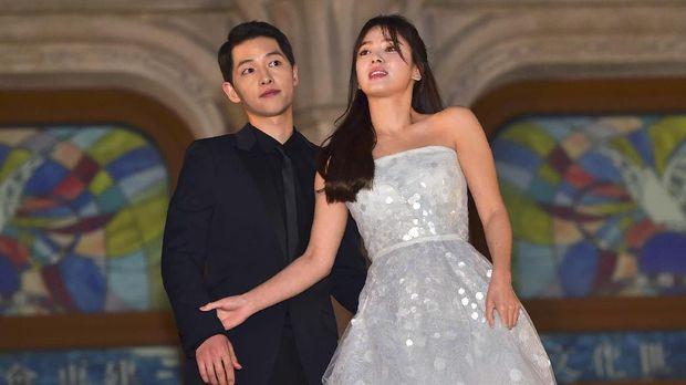 Pasangan selebriti Song Joong-ki dan Song Hye-kyo.