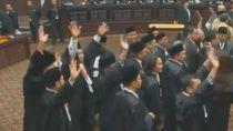 Gugatan Prabowo Ditolak MK, Tim Hukum Jokowi Semringah Rayakan Kemenangan