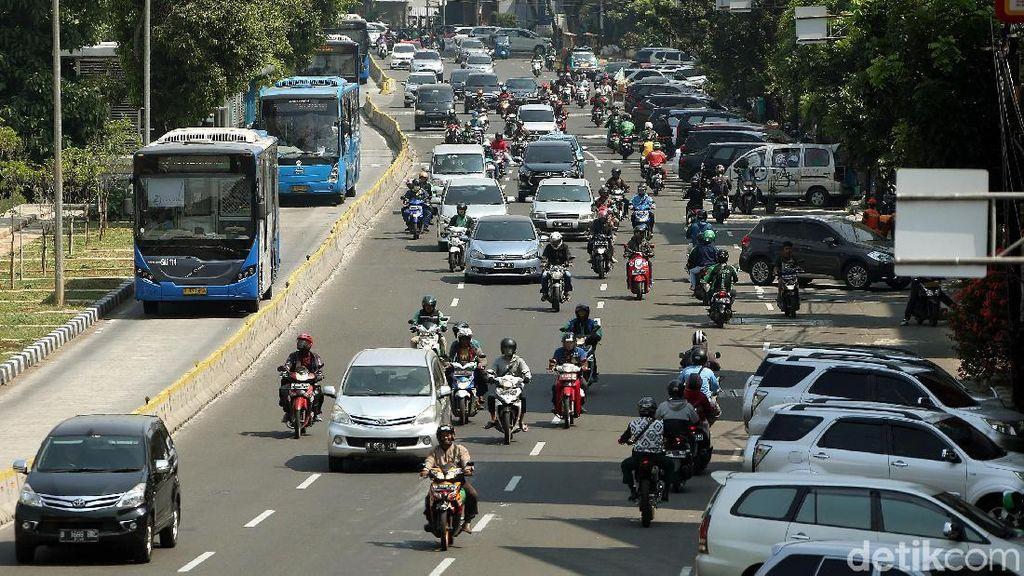 Uang Muka Rendah Biang Keladi Banjir Motor di Jakarta?