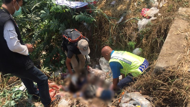 Mayat Wanita Terikat Dibuang di Pinggir Jalan di Bekasi