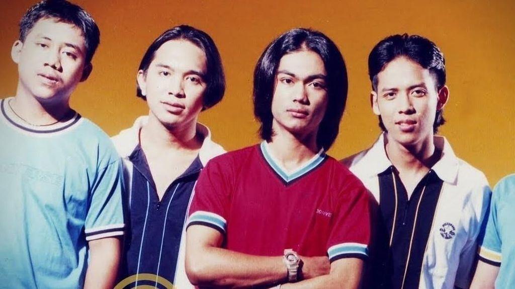 Aksi Band Malaysia Manggung Pakai Drum Tak Kasat Mata