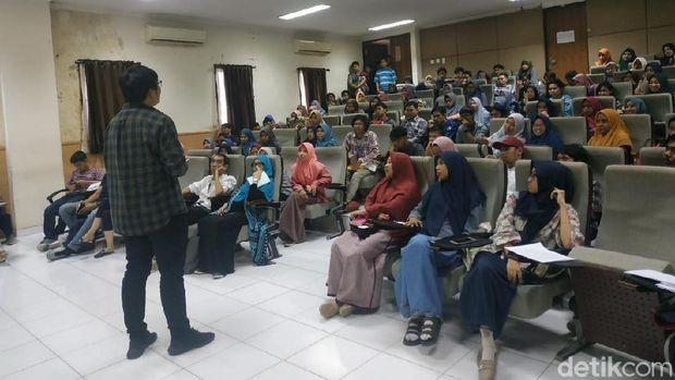 MIWF 2019 Masuk Kampus, Mahasiswa Jurnalistik Belajar Menulis Naskah Film
