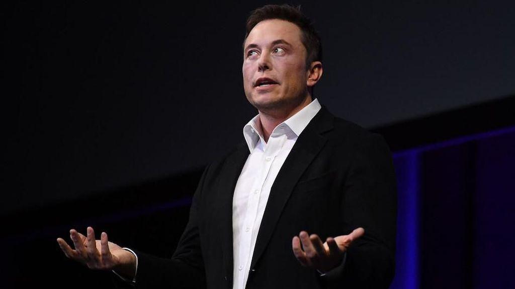 Elon Musk Sindir Keamanan WhatsApp Pakai Meme