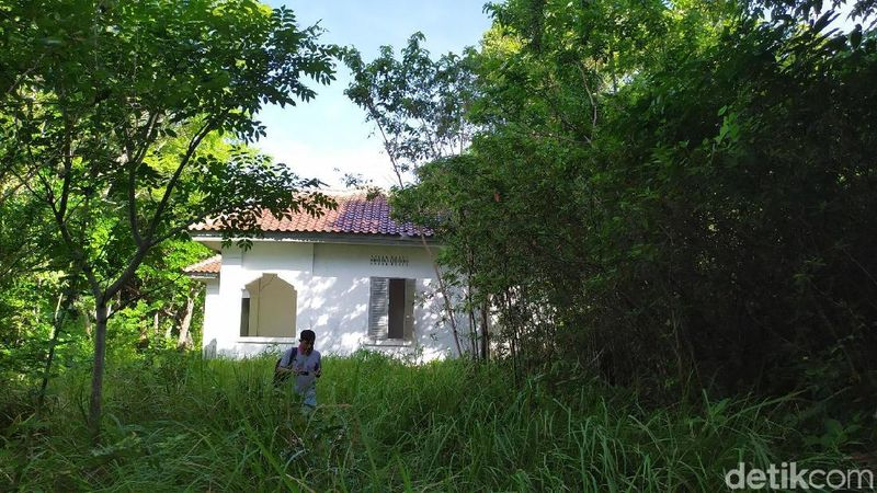 Lokasinya berdiri kokoh di tengah hutan Pulau Rubiah, Sabang. Karantina Haji Aceh ini dulu termewah pada masa penjajahan Belanda dan hanya ada dua di Indonesia (Agus Setyadi/detikcom)