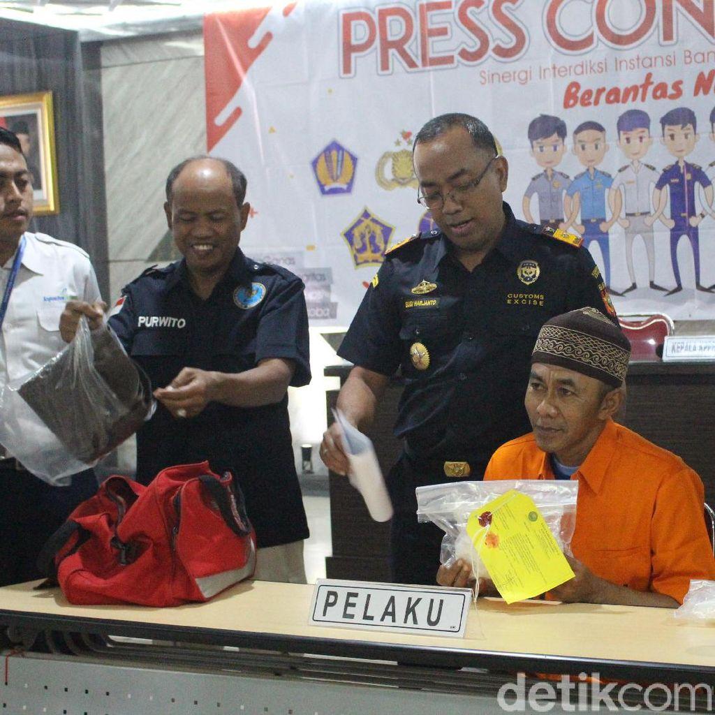 Seorang Penumpang Diamankan di Bandara Juanda Bawa 815 Gram Sabu