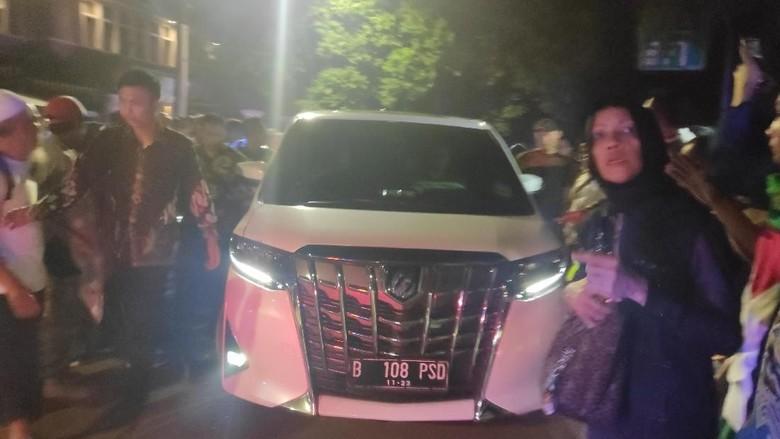 Setelah Bertemu Tim Hukum, Prabowo Tinggalkan Kertanegara