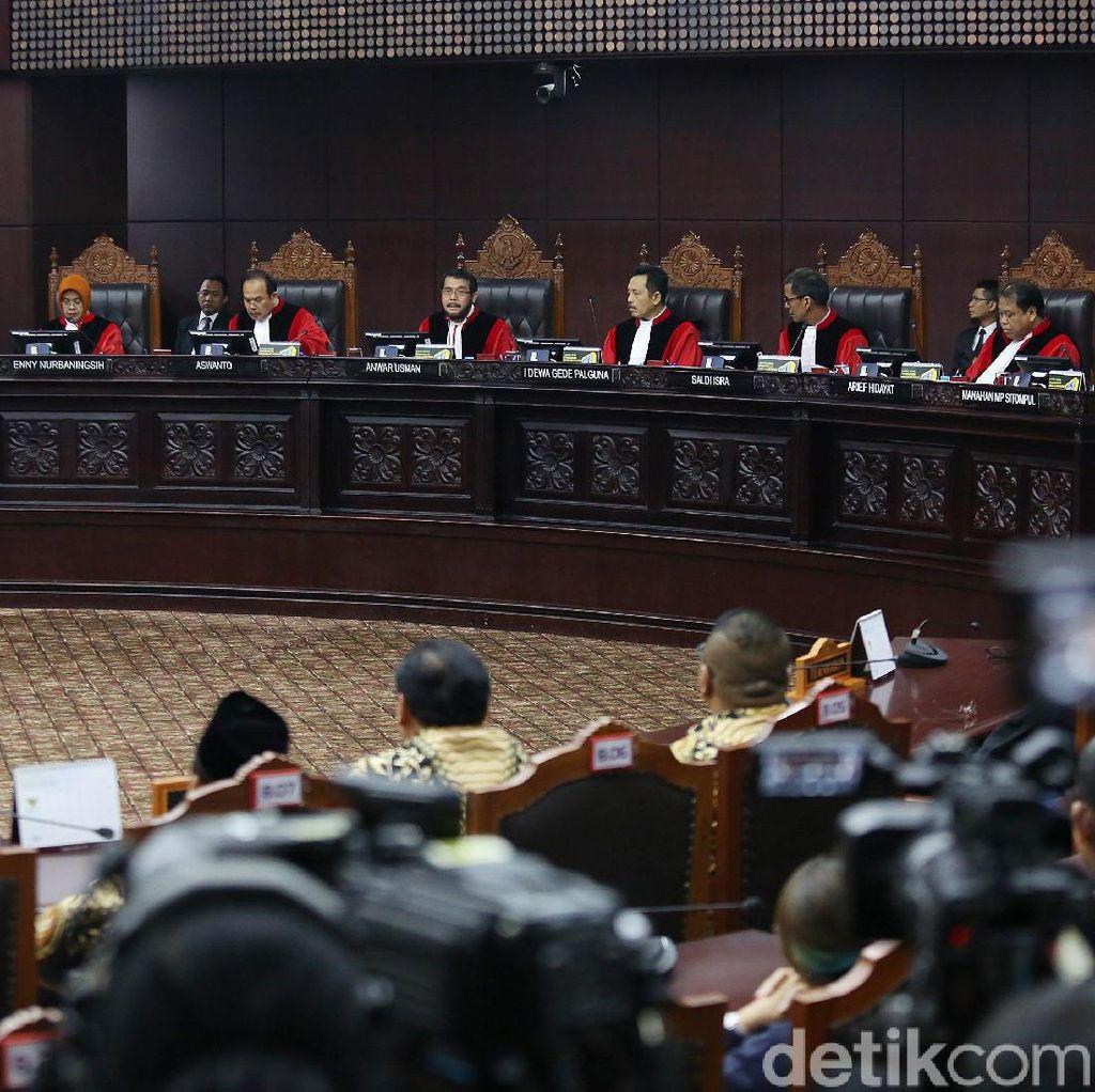 MK: Pelanggaran Administratif TSM Tim Prabowo Kewenangan Bawaslu