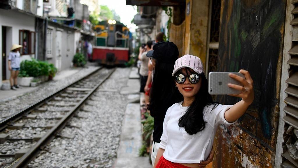 Banyak yang Tewas, Selfie 5 Kali Lipat Lebih Mematikan daripada Serangan Hiu
