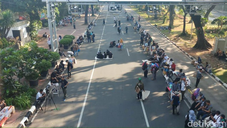 Potret Massa Aksi Kawal MK yang Datang Pagi Ini