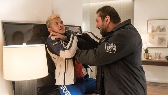 Ngeri! Jawara WWE Dave Bautista Dibanting Iko Uwais