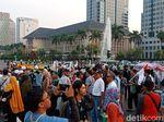 Massa Aksi Kawal Putusan MK Mulai Bubarkan Diri Sambil Berselawat