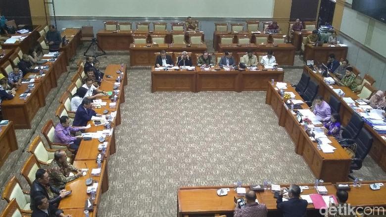 Komisi III Serahkan DIM RUU Pemasyarakatan ke Pemerintah