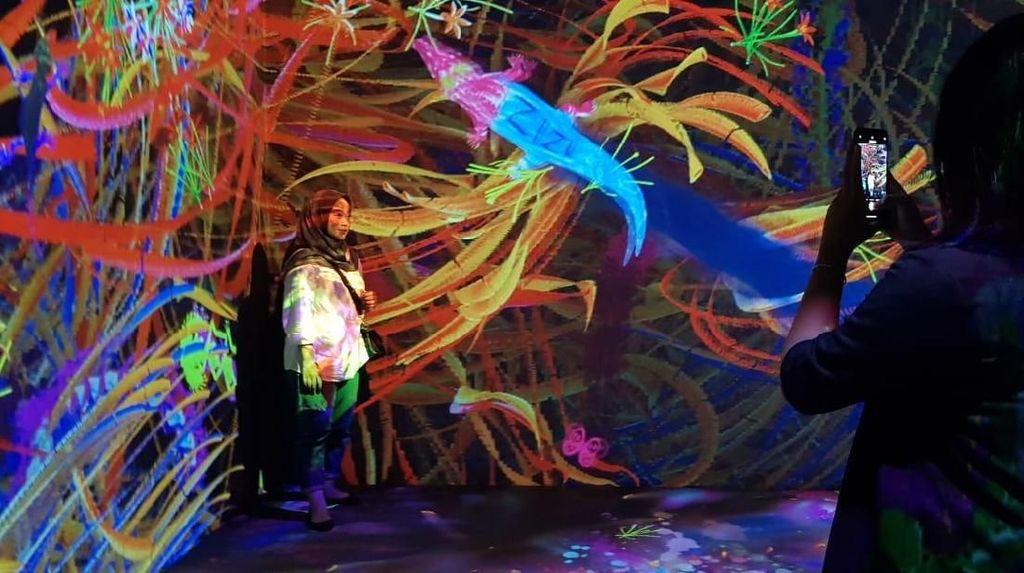 Di Pameran Seni Kelas Dunia, Epson Pamer Kecanggihan Proyektor