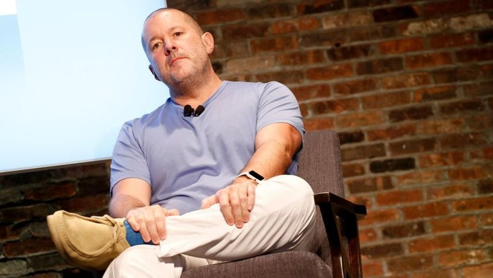 Jelang ultah iPhone, Jony Ive cabut dari Apple. (Foto: Photo by Brian Ach/Getty Images for The New Yorker)