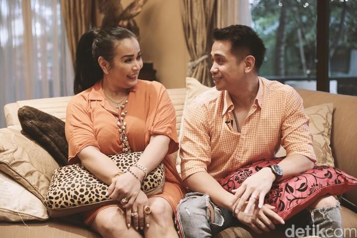 Jennifer Jill dan Ajun  saat ditemui di kediamannya di Ancol.