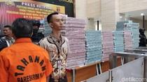 Polri Pamerkan Tumpukan Uang Rp 173 M dari Kasus Korupsi HSD