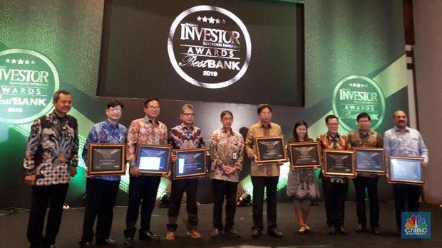 Bank Mega Juara Best Bank Buku III Majalah Investor Awards