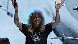 Tusuk Perut dengan Pisau, Steven Adler Guns N Roses Dilarikan ke RS