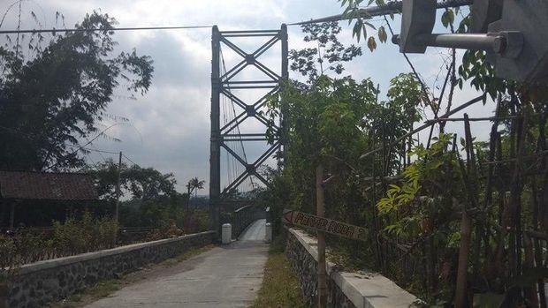 Jembatan ini diresmikan oleh Presiden Jokowi