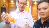Minum Infused Water 2L/Hari, Anies Baswedan Ikuti Jejak Sandi Uno?