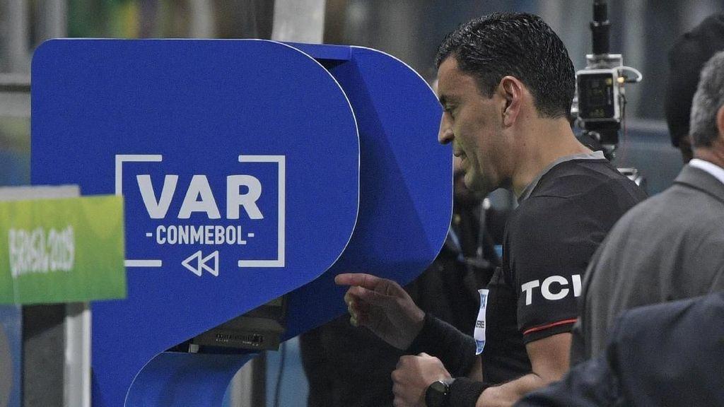 Premier League 2019/2020 Bakal Makin Meriah dengan VAR