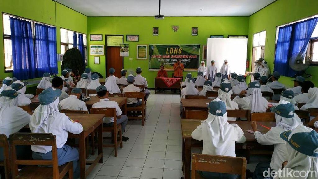 Anggota DPRD Minta Bupati Simalungun Cabut SK Pemberhentian 1.695 Guru