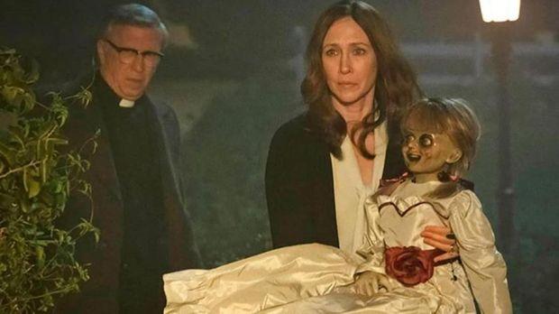 'Annabelle Comes Home' mengisahkan teror Annabelle di rumah pasangan Warren.