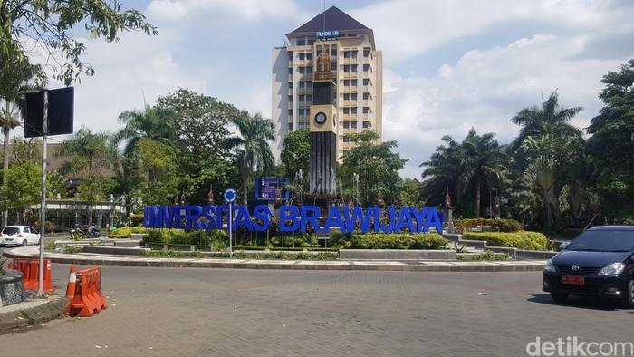 Jumlah peminat Seleksi Bersama Masuk Perguruan Tinggi Negeri (SBMPTN) Universitas Brawijaya (UB) merupakan yang terbanyak di Indonesia. Yakni mencapai 55.871 calon mahasiswa.