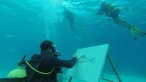 Wow! Seniman Kuba Bisa Melukis di Bawah Laut