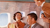 Di zaman dulu, penerbangan komersial adalah yang amat baru dan hanya dinikmati oleh beberapa orang saja (Boeing Historical Archives/CNN)