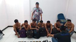 8 Pemuda Tertangkap Bawa Sabu di Bandara SSK II Pekanbaru