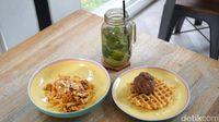 Honeycomb: Santai Sore Ditemani Cucumber Lime Mojito dan Pasta Geprek Pedas