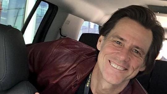 Jim Carrey Tak Pernah Mau Selfie dengan Fans, Ini Alasannya