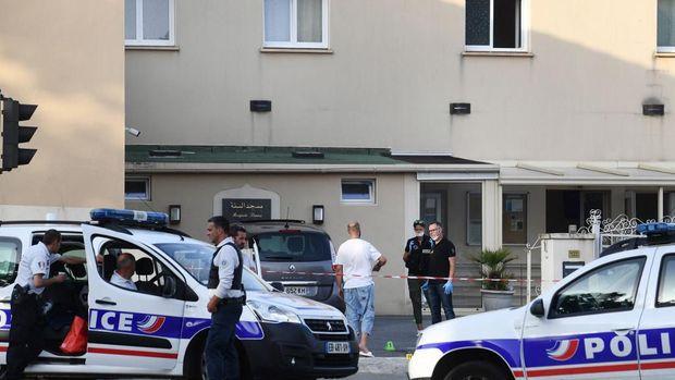 Situasi di lokasi penembakan di masjid Prancis