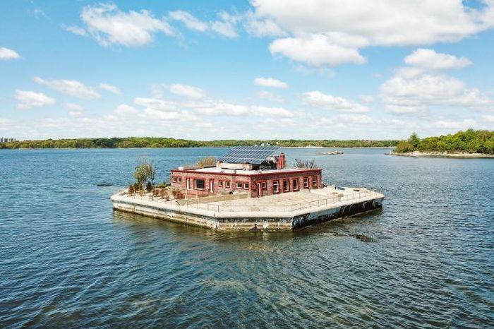 Pulau ini berlokasi sekitar 30 menit dari Manhattan.Foto: Dok. CNBC/Julia B. Fee Sotheby's International Realty