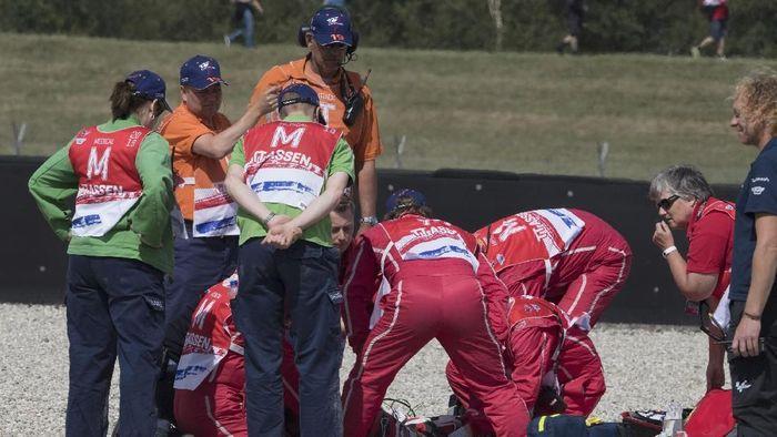 Dimas Ekky sempat tak sadarkan diri usai kecelakaan di sesi latihan bebas Moto2 Belanda (Mirco Lazzari gp/Getty Images)